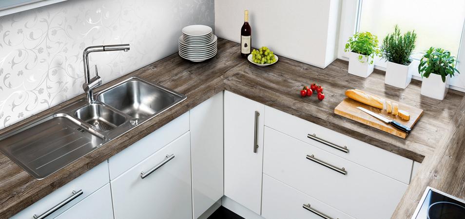 Пластиковые кухонные столешницы: основные характеристики и тонкости установки