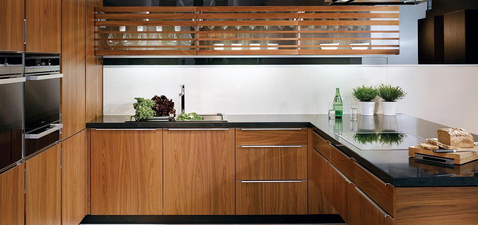 Выбираем фасады для кухни: 10 самых популярных материалов