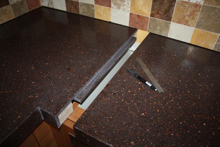 Соединение кухонных столешниц с применением евро-запила