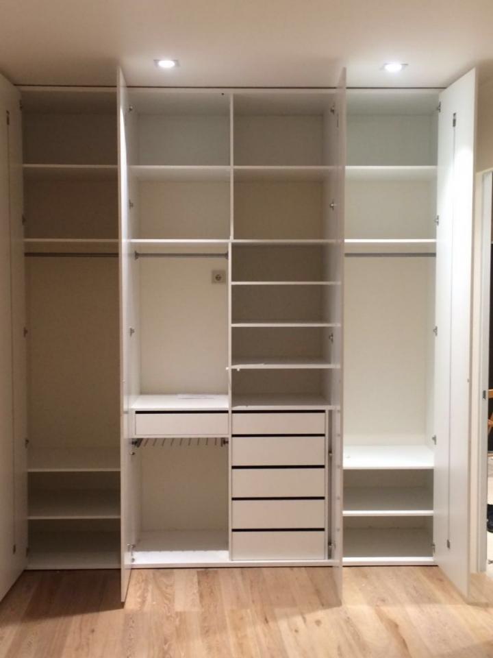 Встроенный шкаф в нишу на заказ