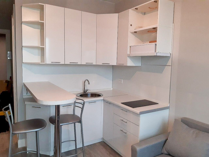 Угловая кухня с барной стойкой Валерия-М-05 Белый глянец