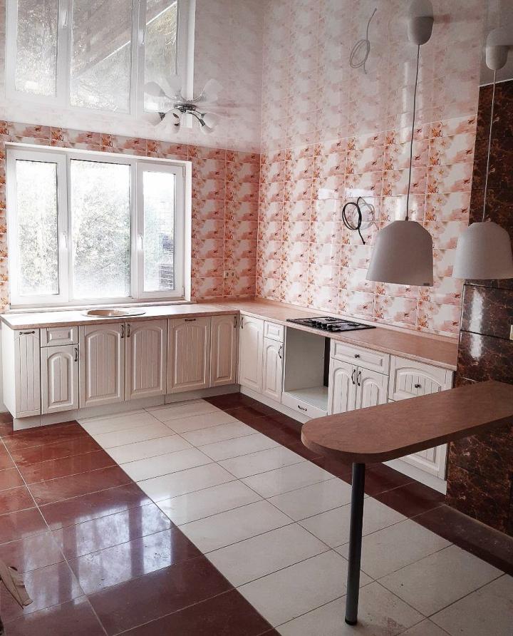 П-образная кухня с барной стойкой Верона-02 Ясень золото