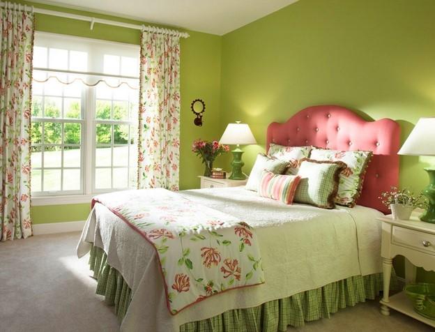 Спальня Прованс фисташкового цвета